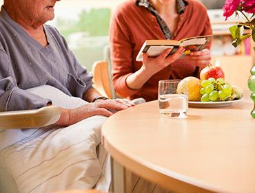 aide relationnelle et sociale personnes âgées