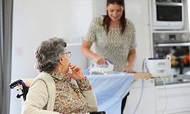 Aide à domicile pour personne handicapée