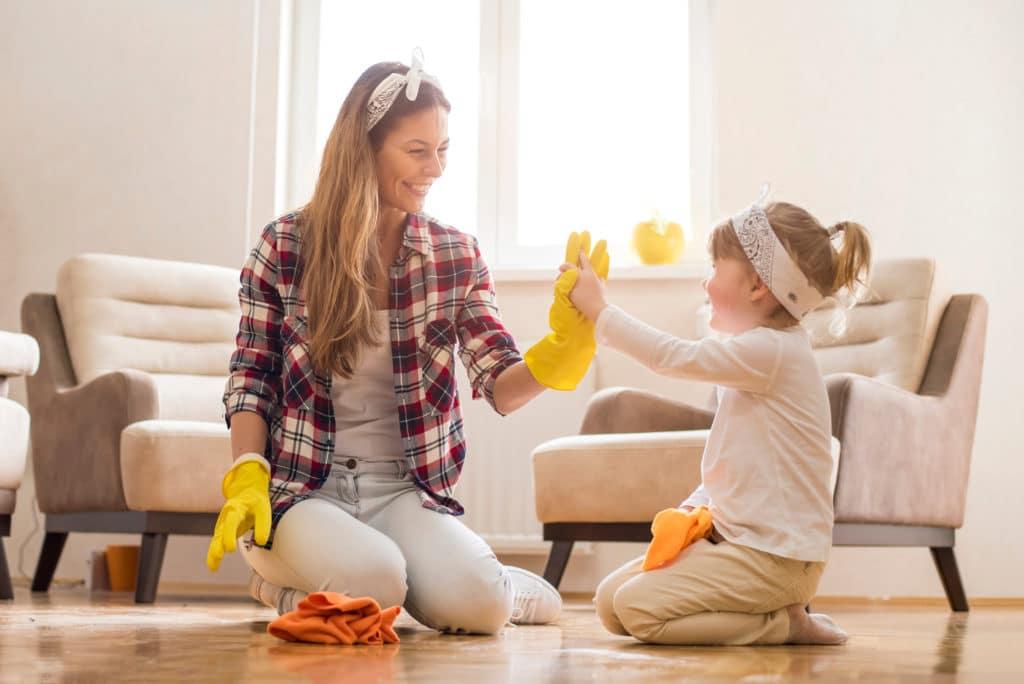 ménage garde d'enfants