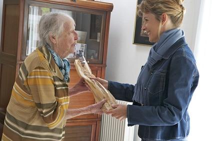 courses à domicile personne âgée