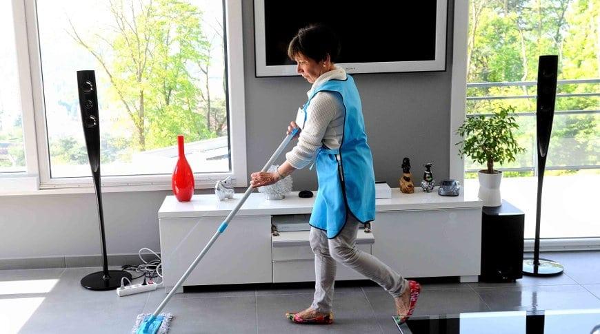 image Faire appel à une femme de ménage, solution avantageuse