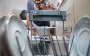 image Entretenir son lave-vaisselle naturellement